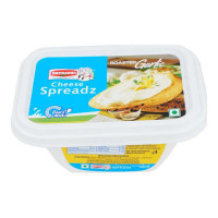BRITANNIA CHEESE SPREADZ ROASTED GARLIC 180.00 Gm Box